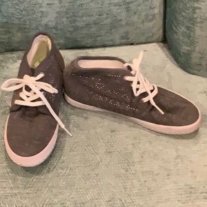 NWOT ROXY TENNIS SHOES SZ 5